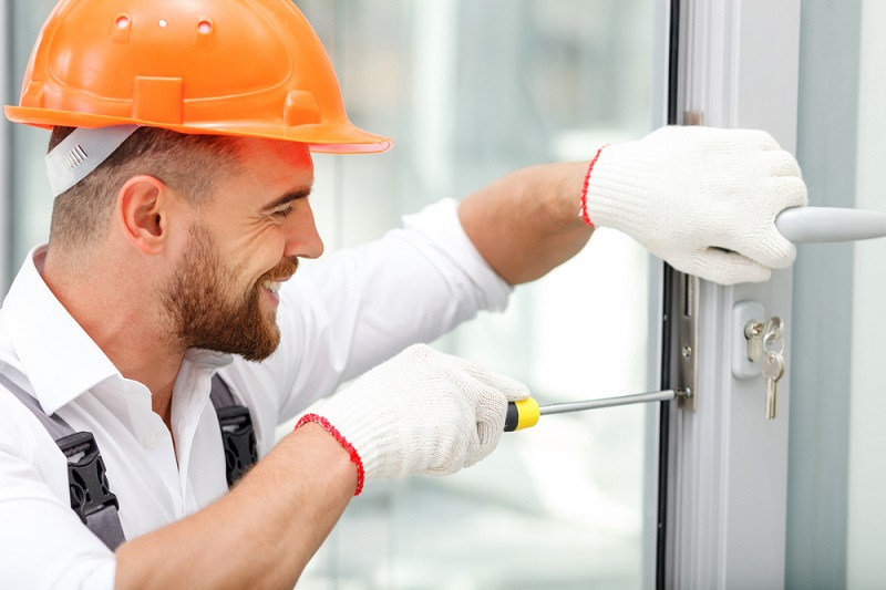 Role and responsibilities of a locksmith service